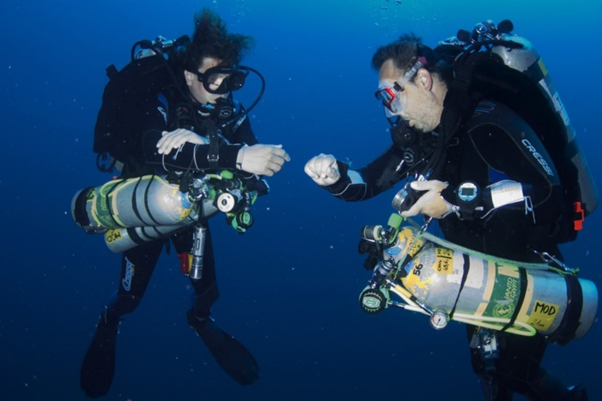 Tri Mix Scuba Diving : Padi tec trimix divers down uae
