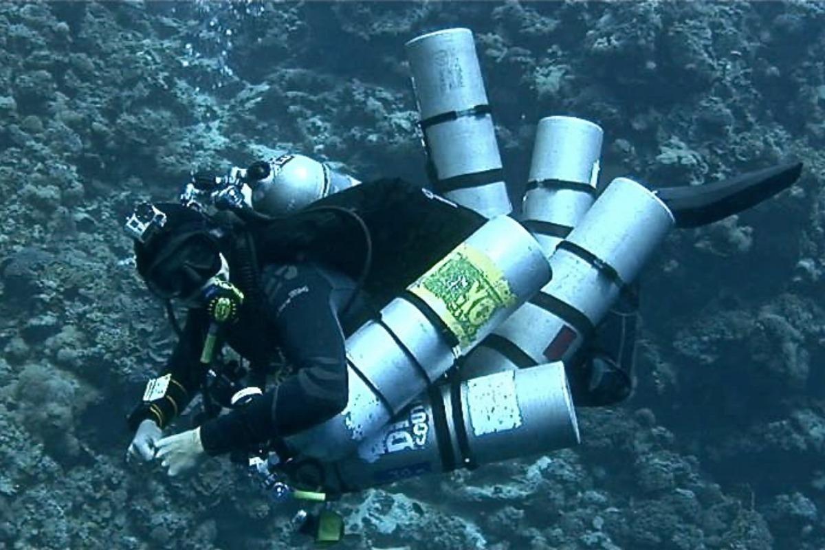 Tri Mix Scuba Diving : Padi tec trimix diver divers down uae